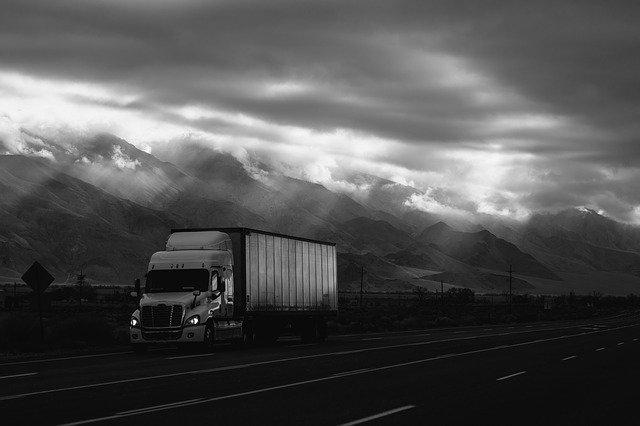 nákladní auto, hory, mrak