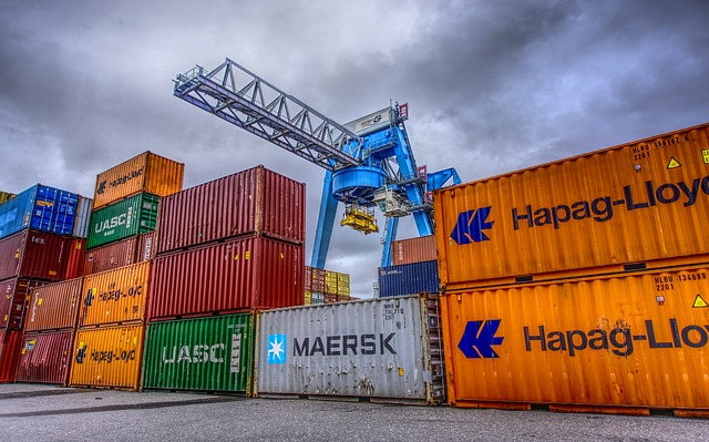 nákladní kontejnery