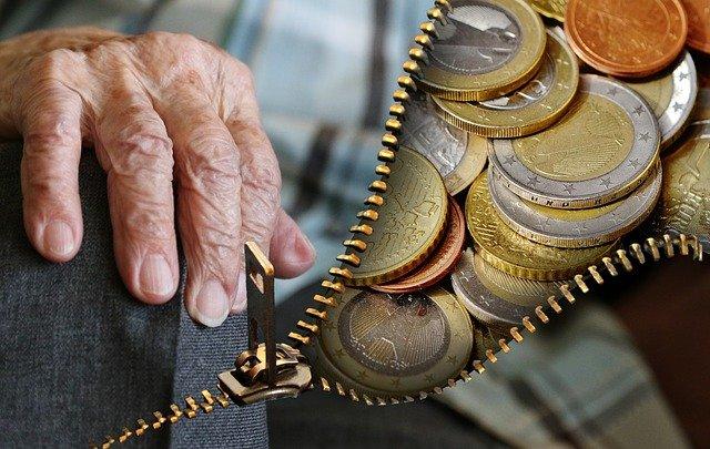 důchodce a peníze