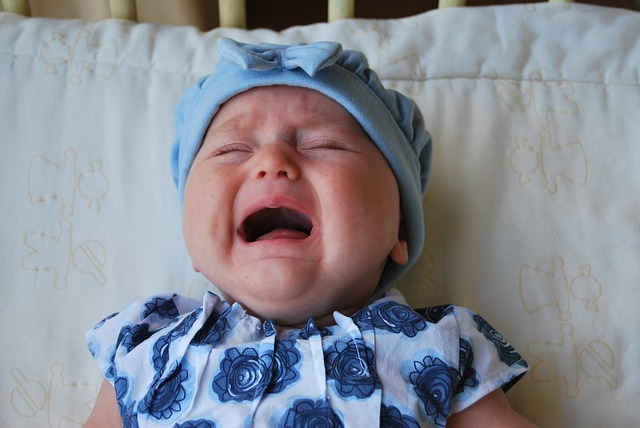 děťátko a pláč