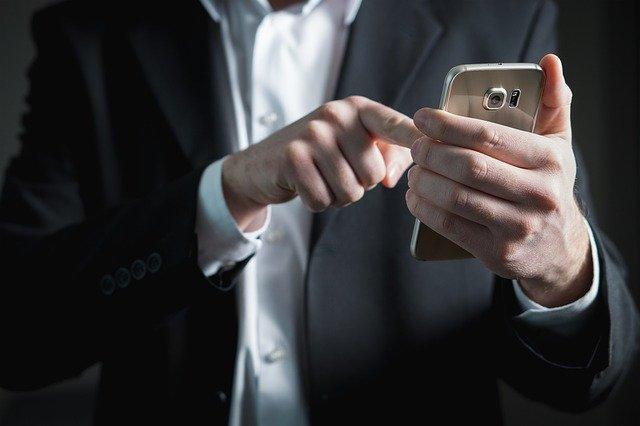 Stačí jeden telefon.jpg